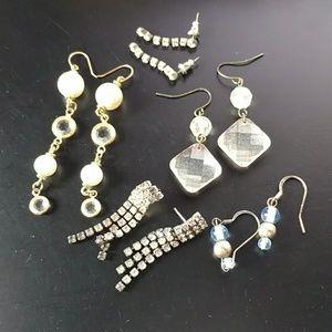 🔥5)$15 vintage earrings lot